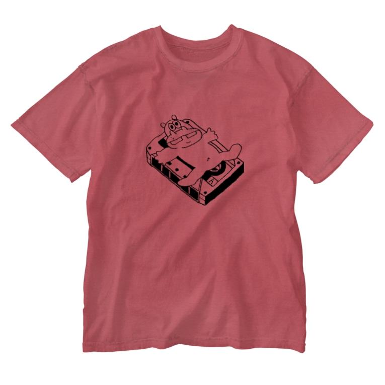 カバとカセットテープ ウォッシュTシャツ