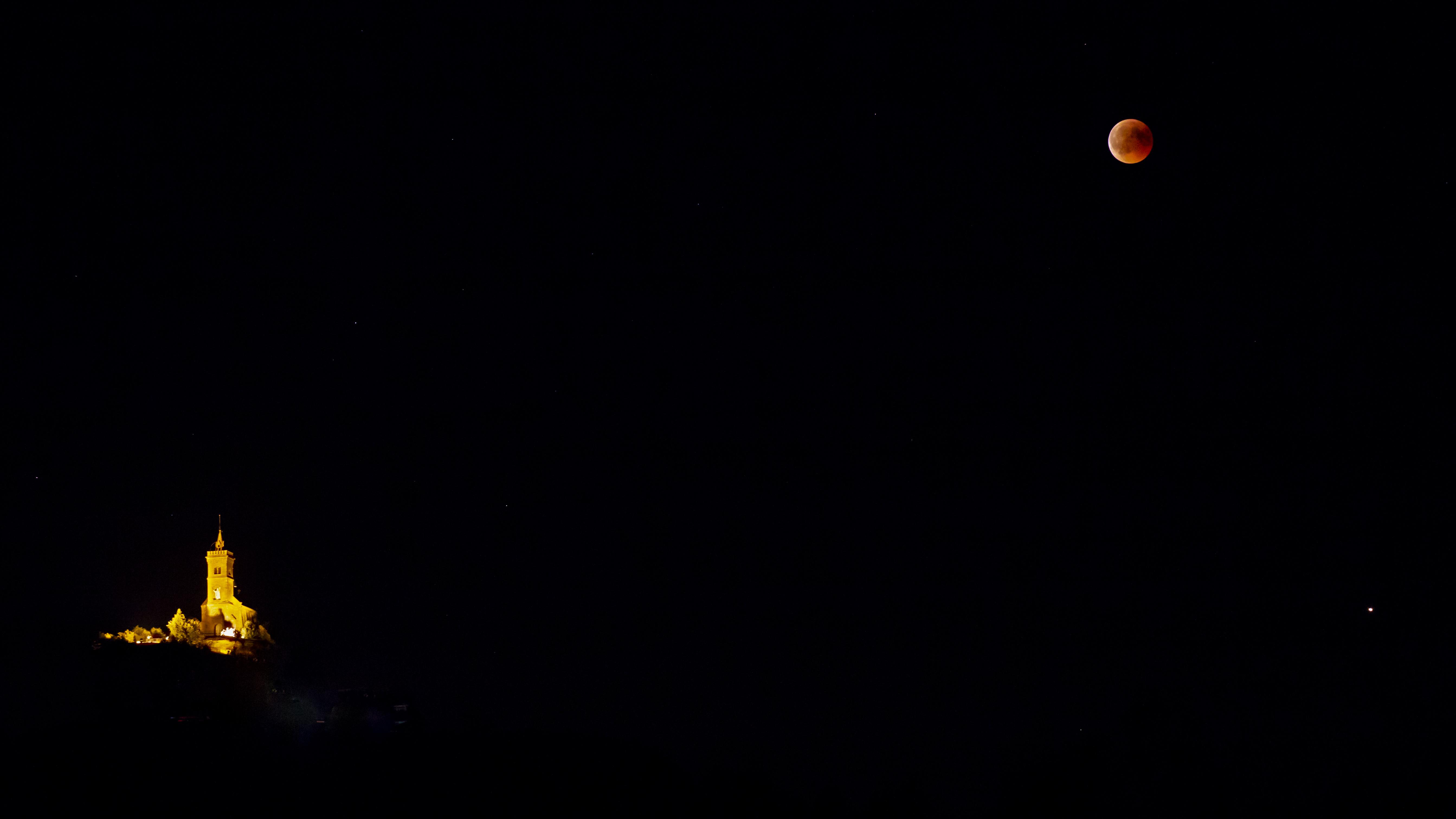 éclipse de lune sur Dabo