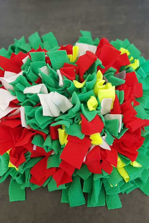 Green Red and hvite snuffel matt