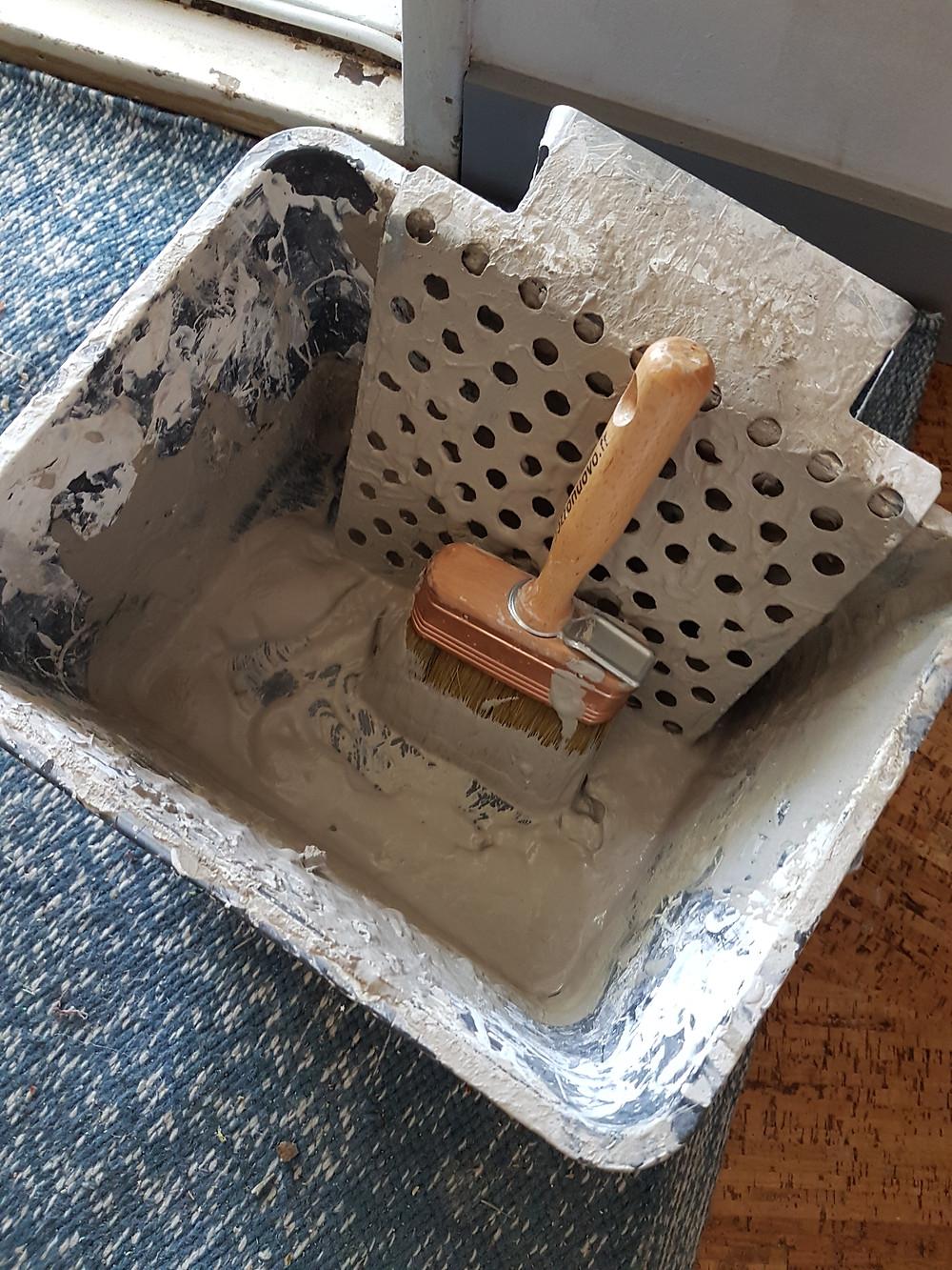 Peinture naturelle argile application facile décoration intérieure naturelle minérale bas carbone matériaux naturels rénovation maison Emily Peterson eco construction la rochelle