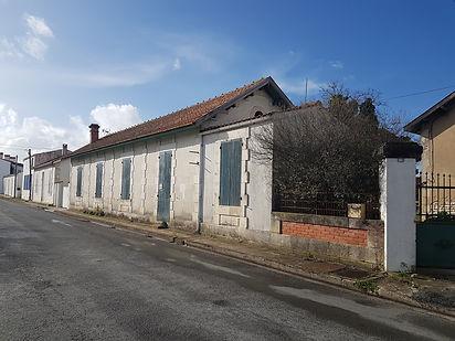 Esquisse en cours pour une ancienne école communale sur l'île d'Oléron