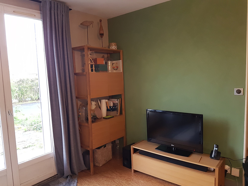 Peinture naturelle argile vert foret matériaux naturels rénovation maison Emily Peterson eco construction la rochelle