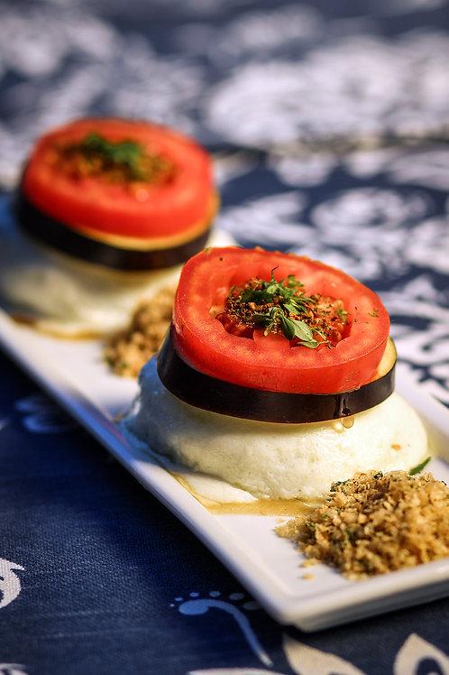 Torre de Carne Moída com Berinjela, Mozarela e Tomate