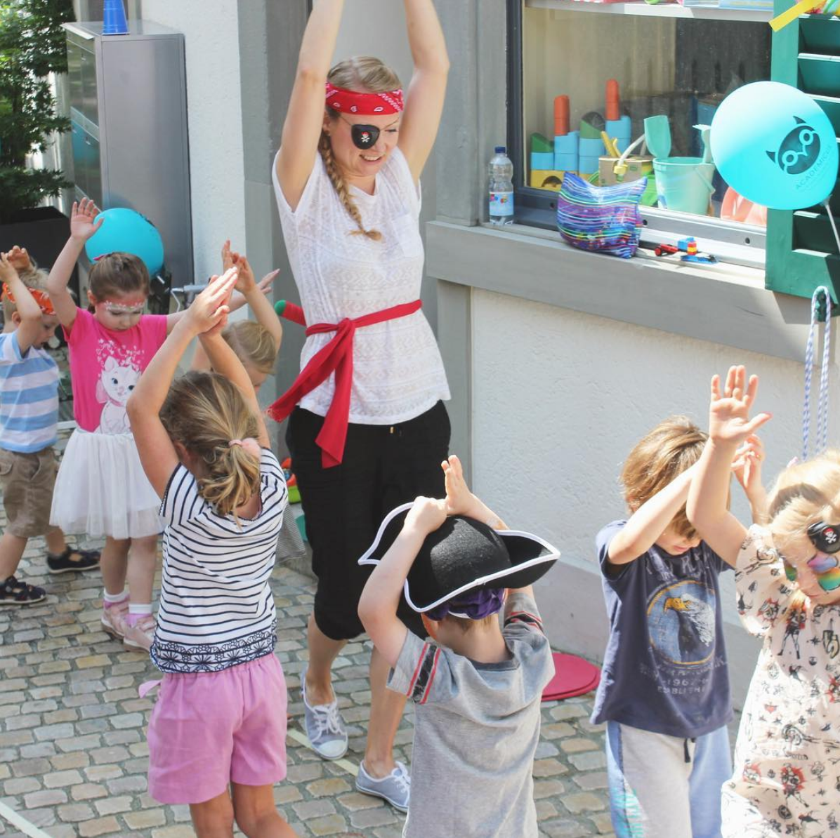 Party Balloons Zurich: BOOKED OUT International Kids Day