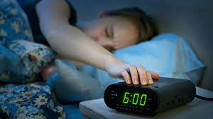 Nueve consejos para dormir mejor, según un médico especialista en sueño