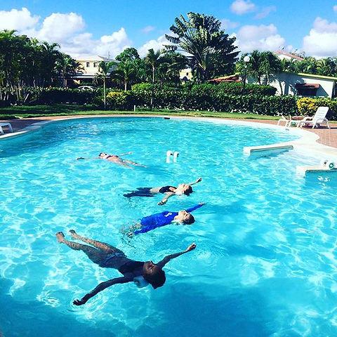#aquatraining #stretching #relax #friday