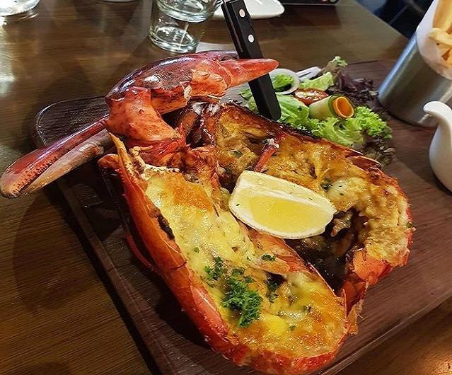 Delicious fresh lobster malaysia