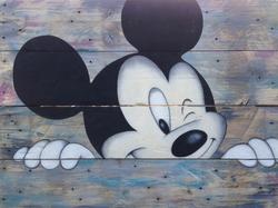 Mickey clin d'oeil