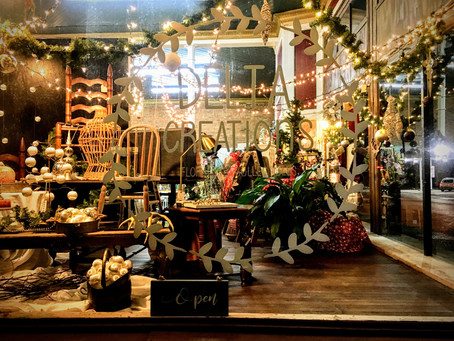 Holiday shopping in downtown Clarksdale