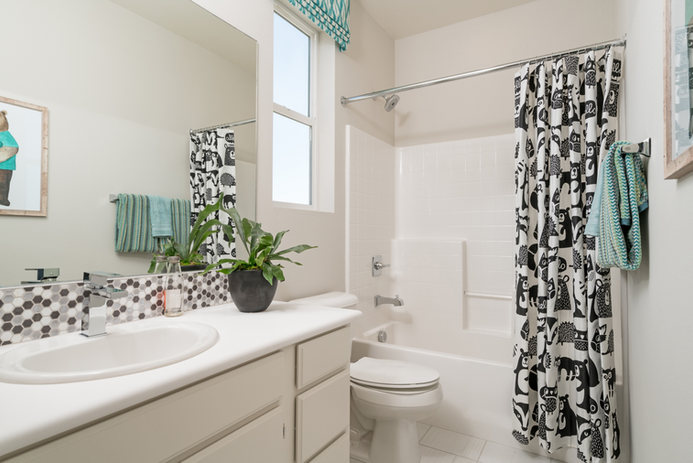 Suwerte Residence 2 Bathroom