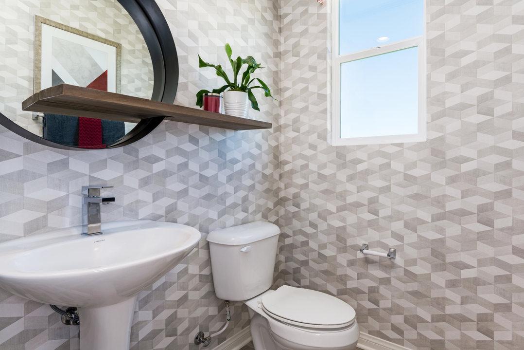 Alay Residence 2 Bathroom Zoom