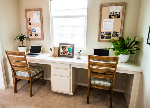 Monte Villa Residence 1 Desk