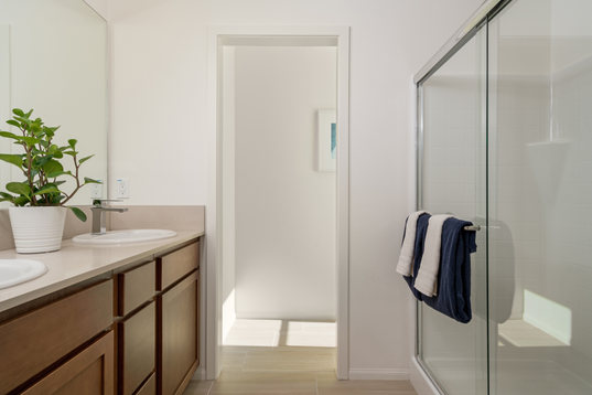 Suwerte Residence 3 Master Bathroom