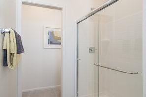 Suwerte Residence 6 Shower