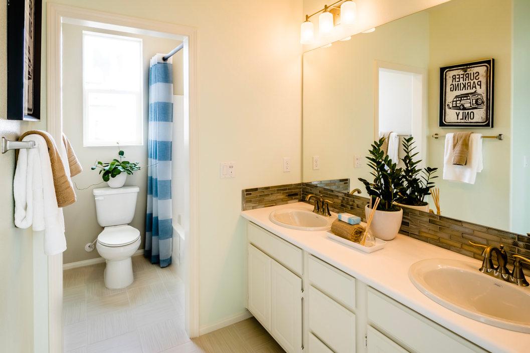 Monte Villa Residence 1 Bathroom