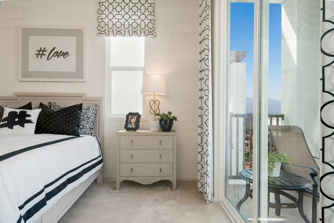 Suwerte Residence 6 Bedroom Balcony