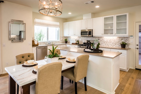 Monte Villa Residence 2 Kitchen