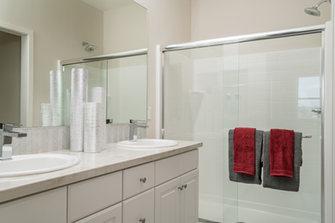 Suwerte Residence 1 Master Bathroom