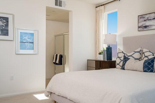 Suwerte Residence 3 Master Bed