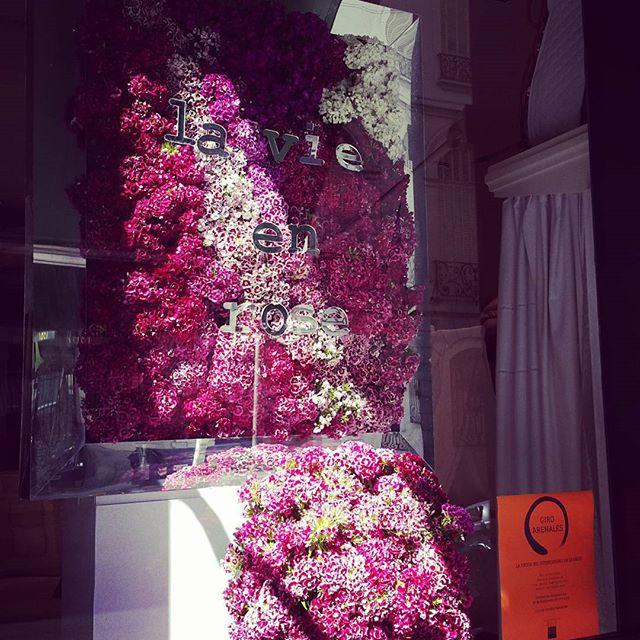 #giroarenales #arqrominacalzi  #homecollection #dara __veronique #lavieestbelle #lavieenrose #flowersarealwaysagoodidea #daraflowers