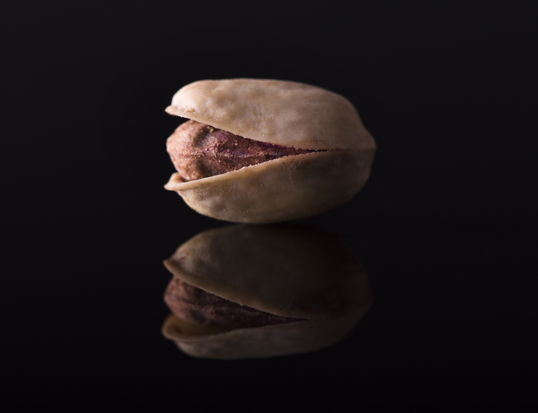 Salted pistachio (macro)