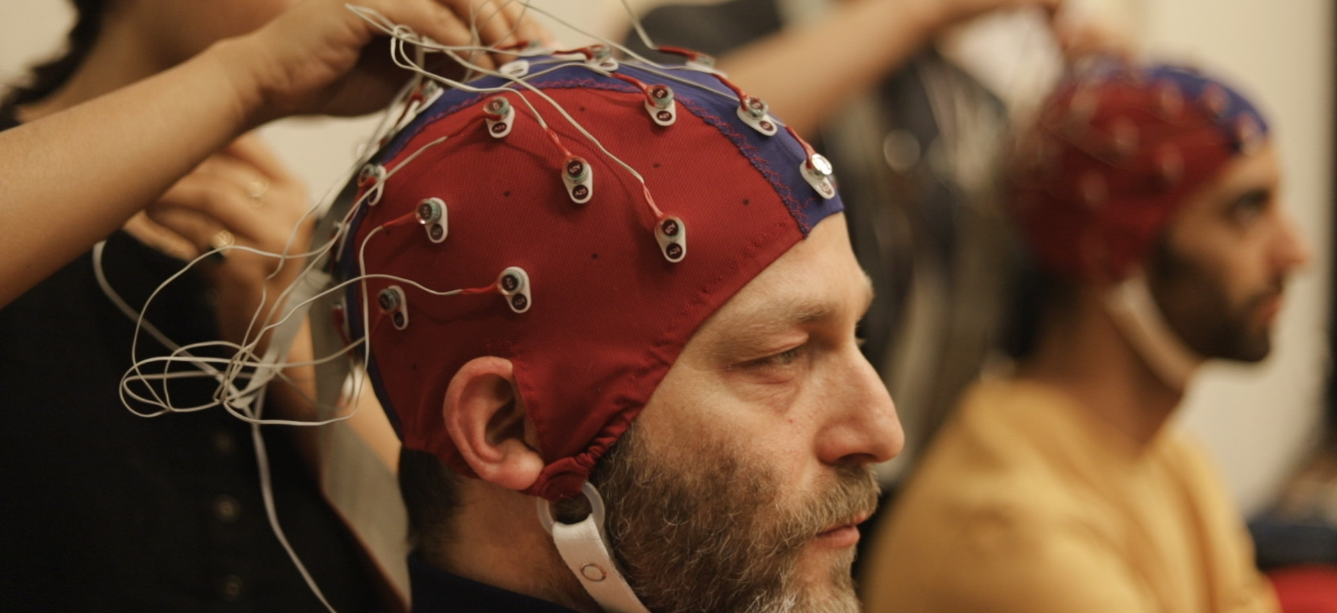 "IN A LIVING LABORATORY, NEUROSCIENCE MEETS ART ""A mini-documentary by the Ukrant"""