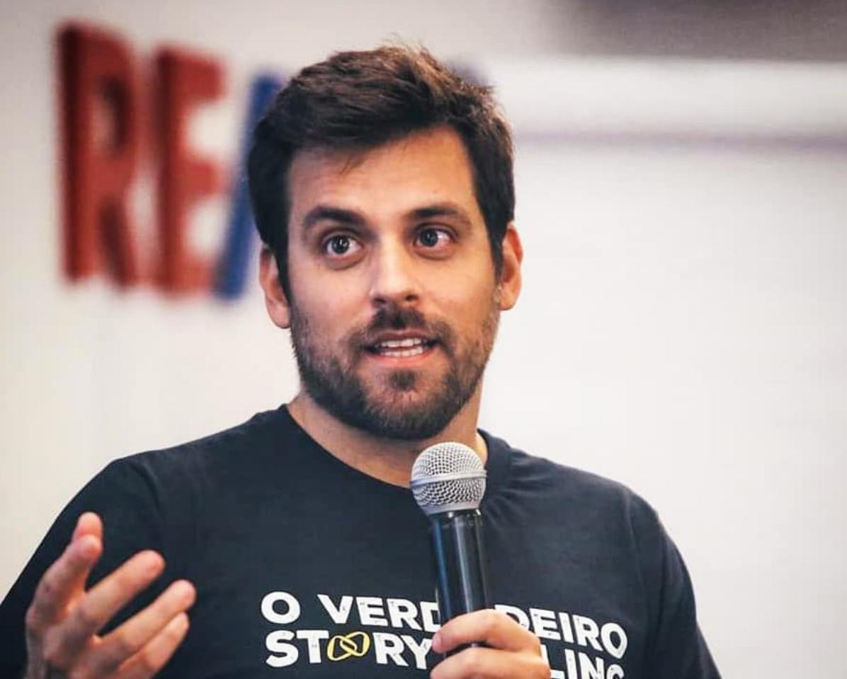 Rodrigo Portaro em curso de Storytelling