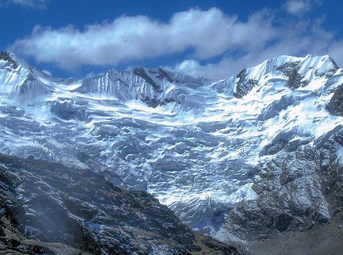 The hike to Huatapallana is a favorite tour in Huancayo
