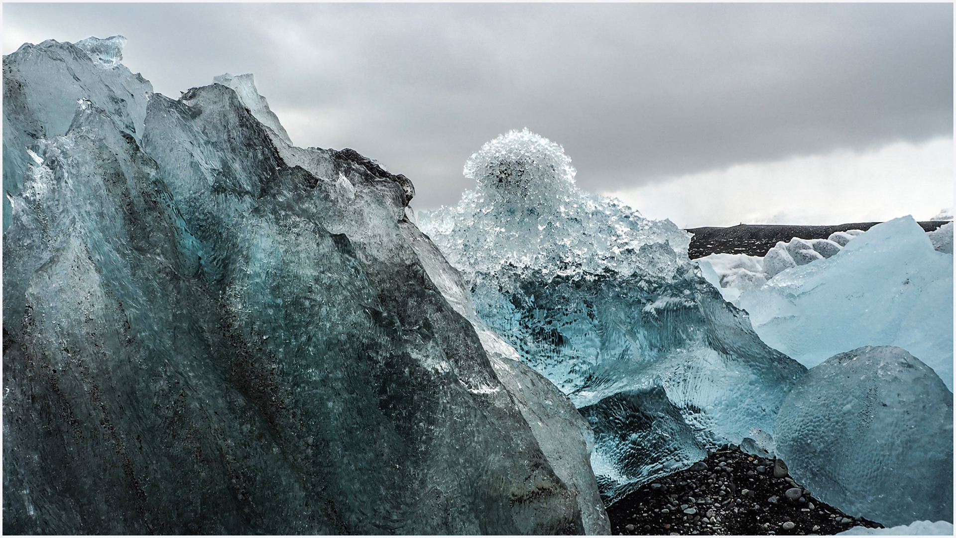 Ice floes on the Icelandic coast