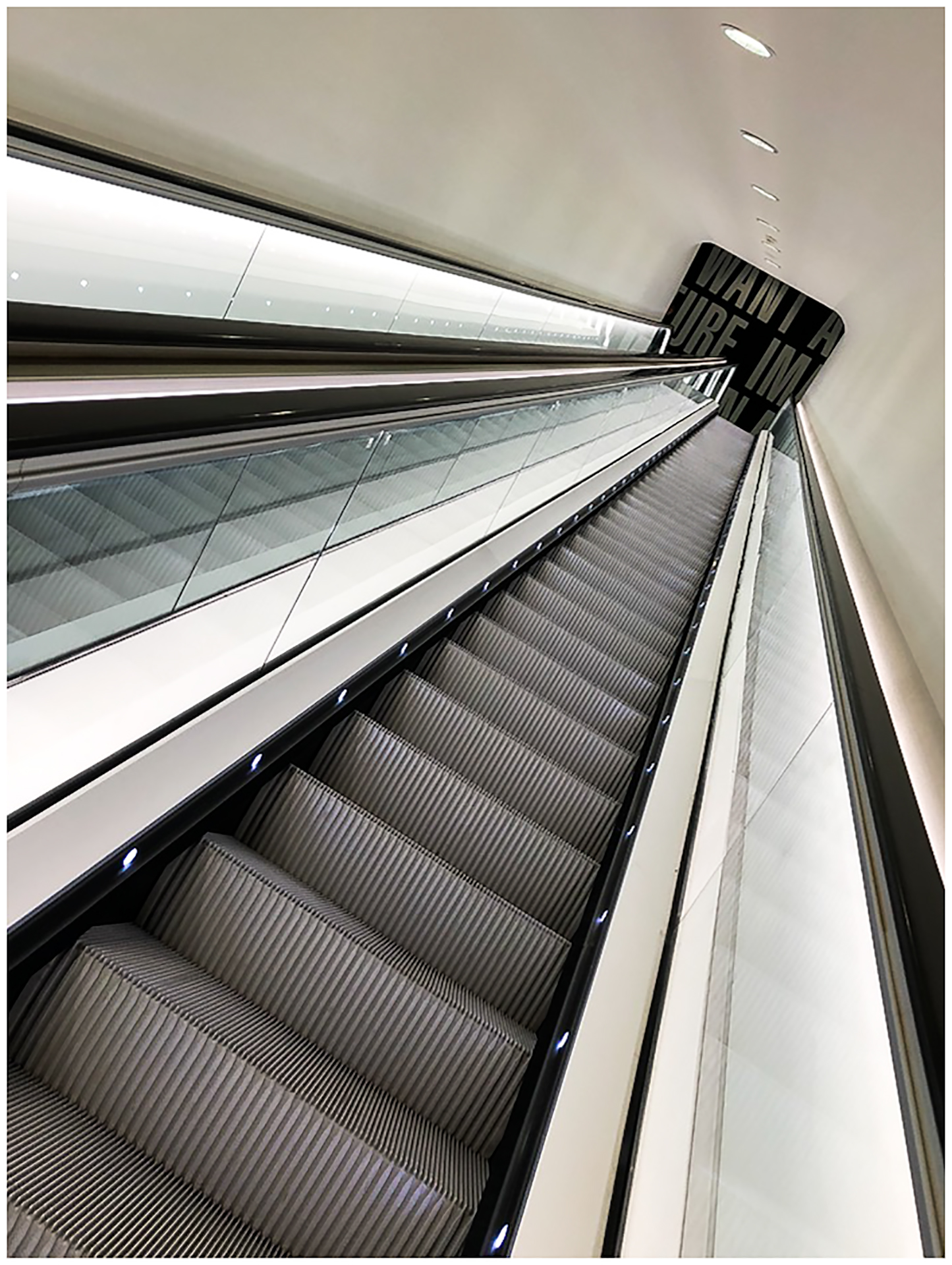 29 Escalator