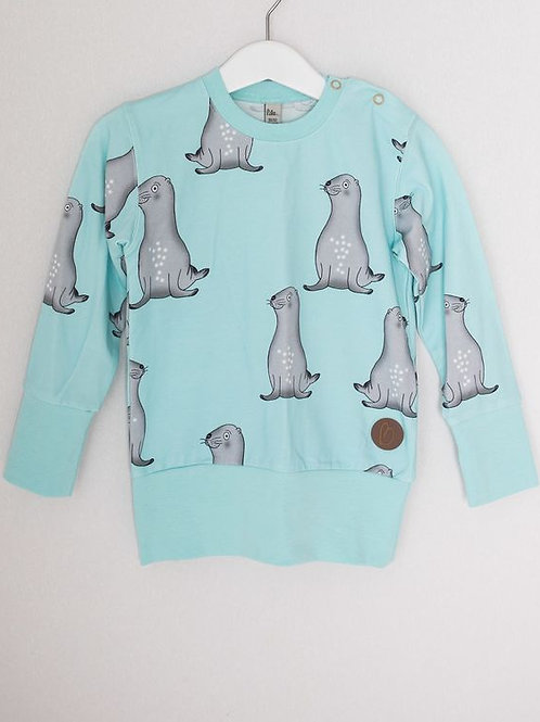 Seal sweat top