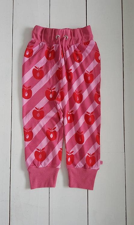 Apple pants