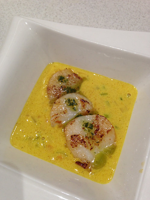 Saint Jacques, poireaux, sauce curry