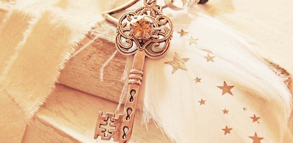antique-close-up-decoration-532420.jpg