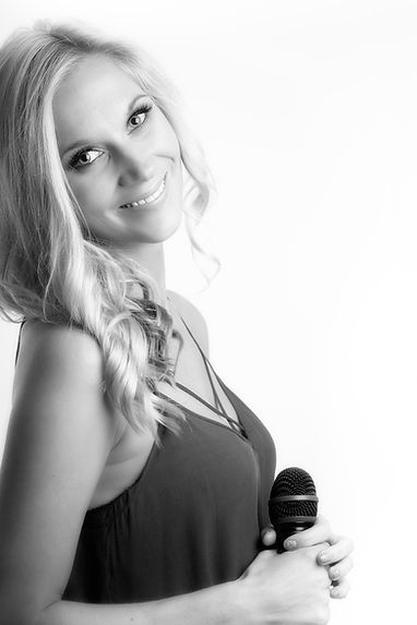 Samantha Murphy female vocalist Ibiza and female vocalist Cheshire