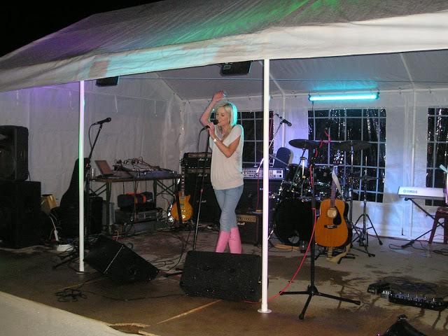 Festival Singer