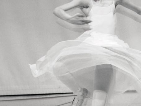 ¿Por qué una bailarina en nuestra portada?
