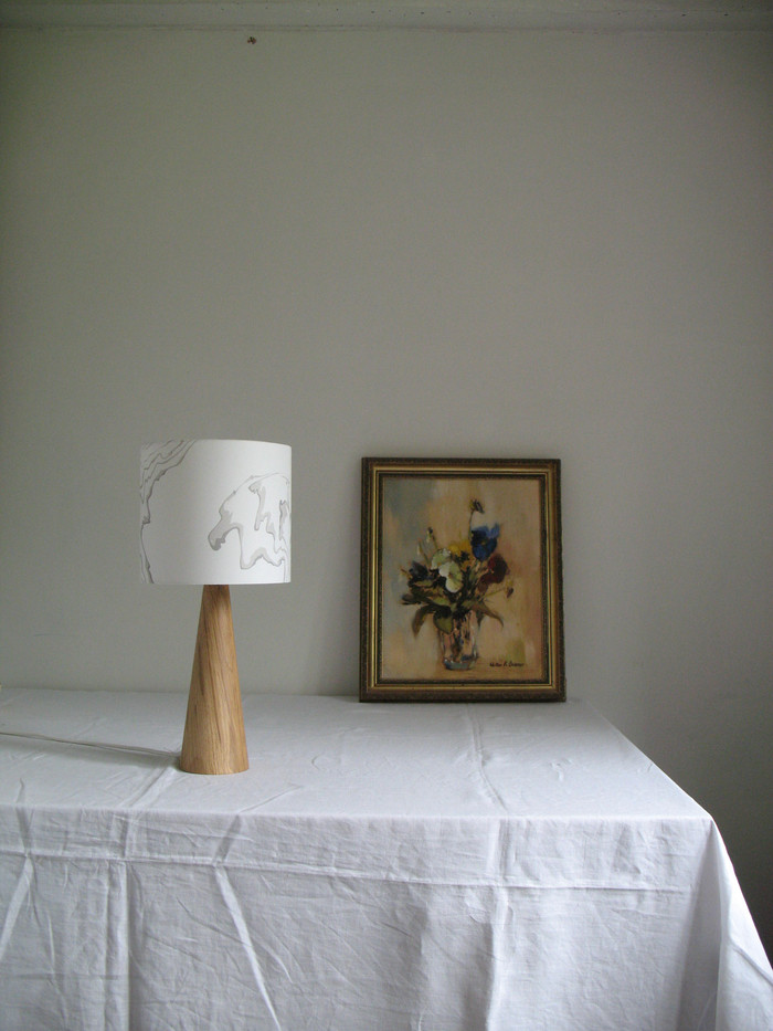 20 cm suminagashi lampshade.