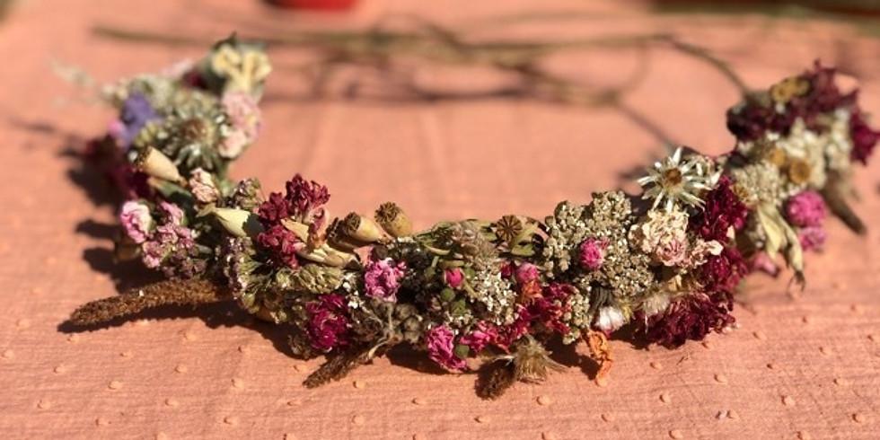 Atelier confection d'une couronne pour cheveux en fleurs séchées