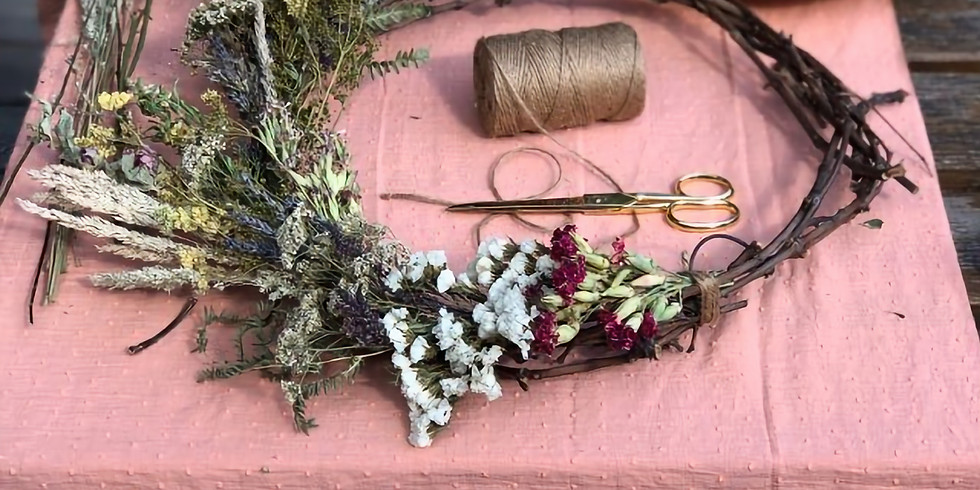 Atelier confection d'une couronne murale en fleurs séchées