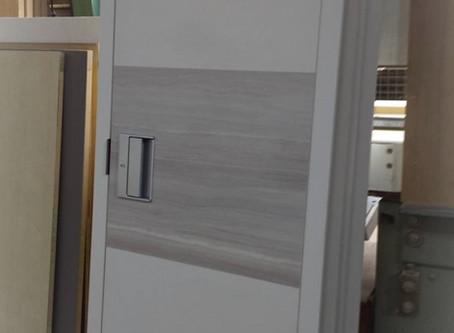 船内家具・・toilet door