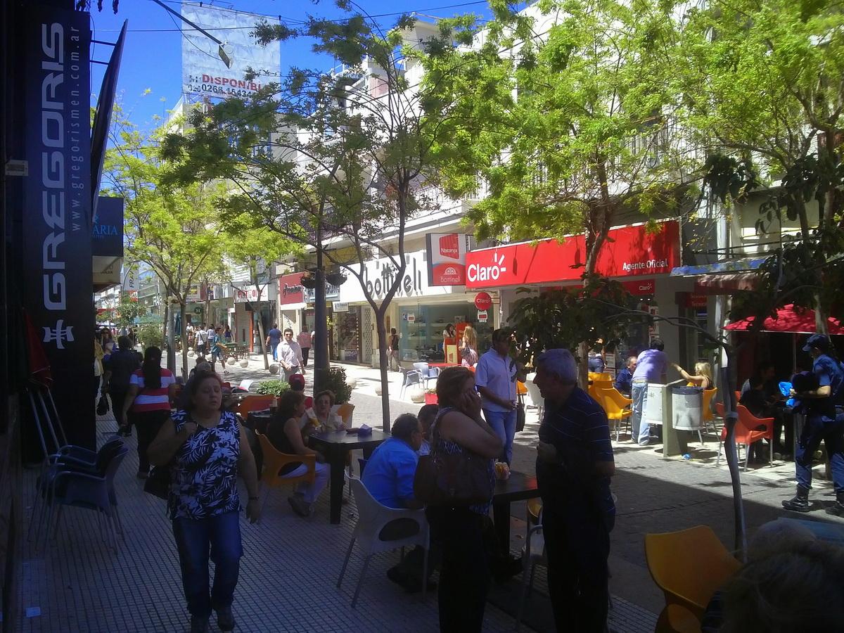 Peatonal Via Rivadavia