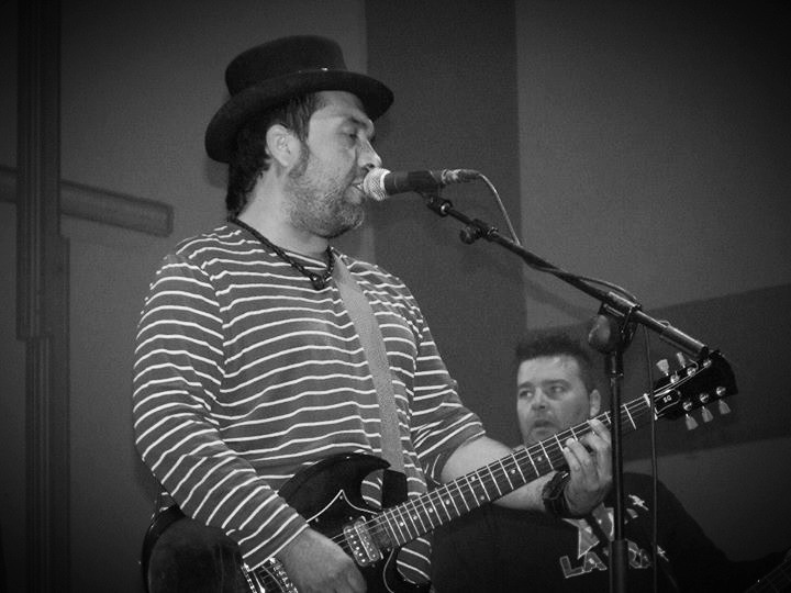Raúl - Guitarra/voz