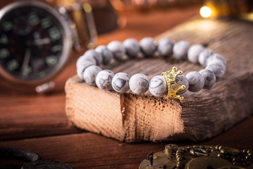 THE GRAY KING - Matte Light gray picasso stone beaded bracelet w gold crown