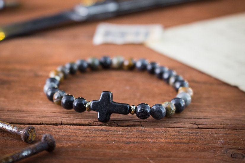 Picasso stone beaded stretchy bracelet with black cross