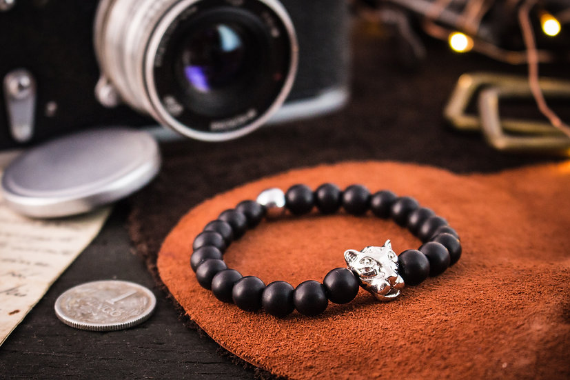 Matte black onyx beaded stretchy bracelet with silver leopard