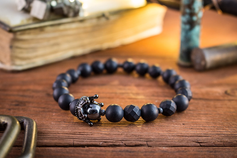 Crown bracelet - Matte black onyx & lava stone beaded stretchy bracelet