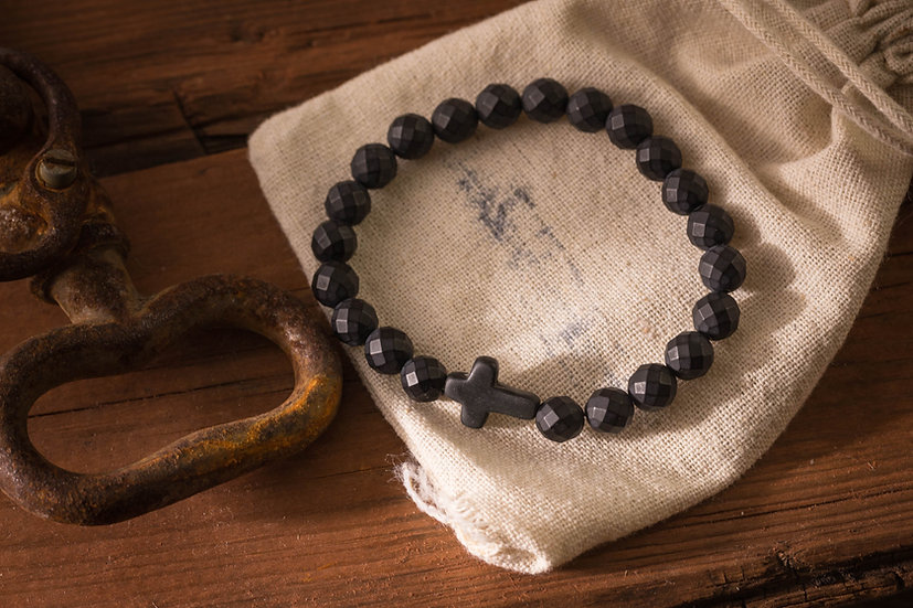 Faceted matte black onyx beaded stretchy bracelet with black cross