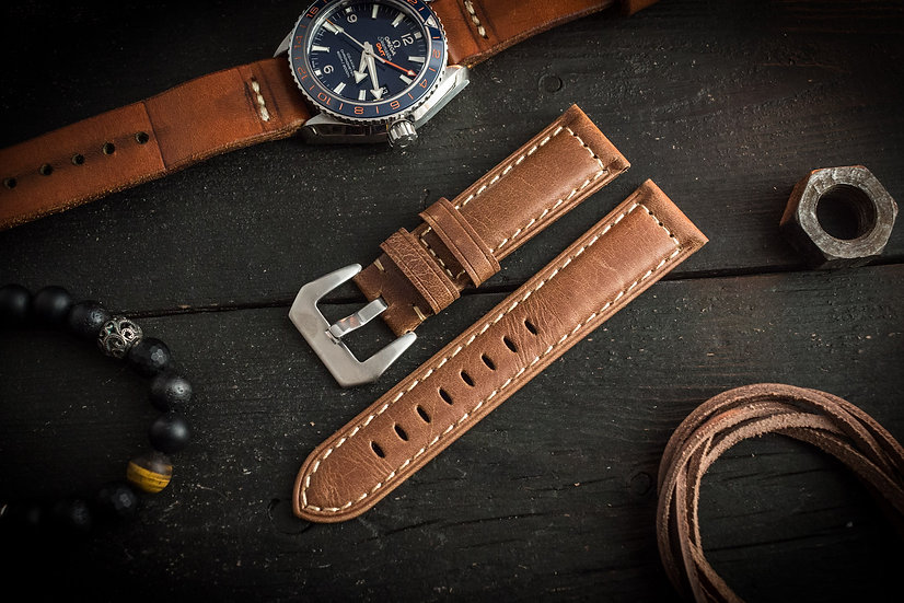 Vintage padded brown genuine leather watch strap (22mm)