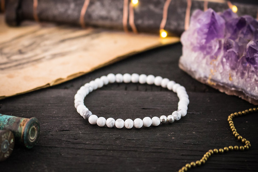 White howlite beaded stretchy bracelet with sterling silver accents